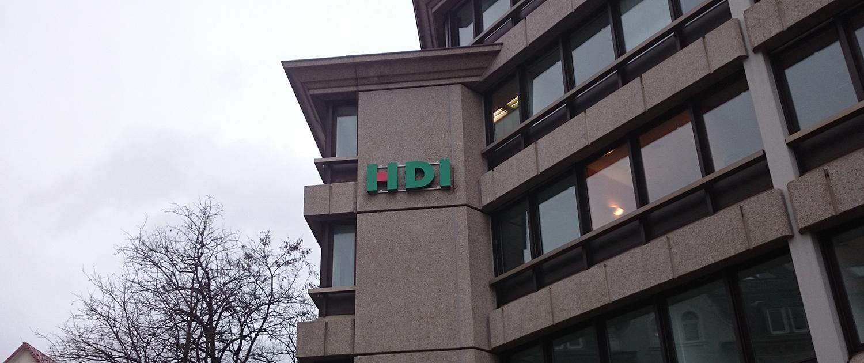 Licht-Außenwerbung HDI