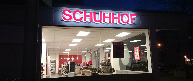 Licht-Außenwerbung Schuhhof